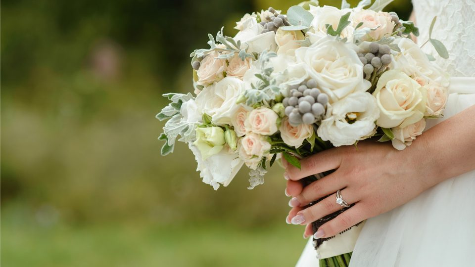 Bouquet and Ring min